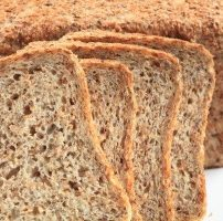 発芽パン Sprouted Wheat Bread