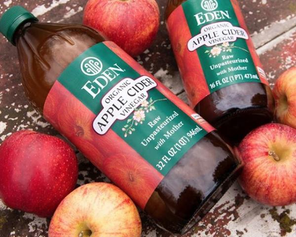 なぜアップルビネガーの人気が急上昇?<br>Why Is Apple Cider Vinegar So Popular?