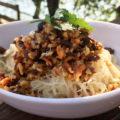 ベジタリアン魯肉麺<br>Marinated Mushroom Meat Topped Bifun